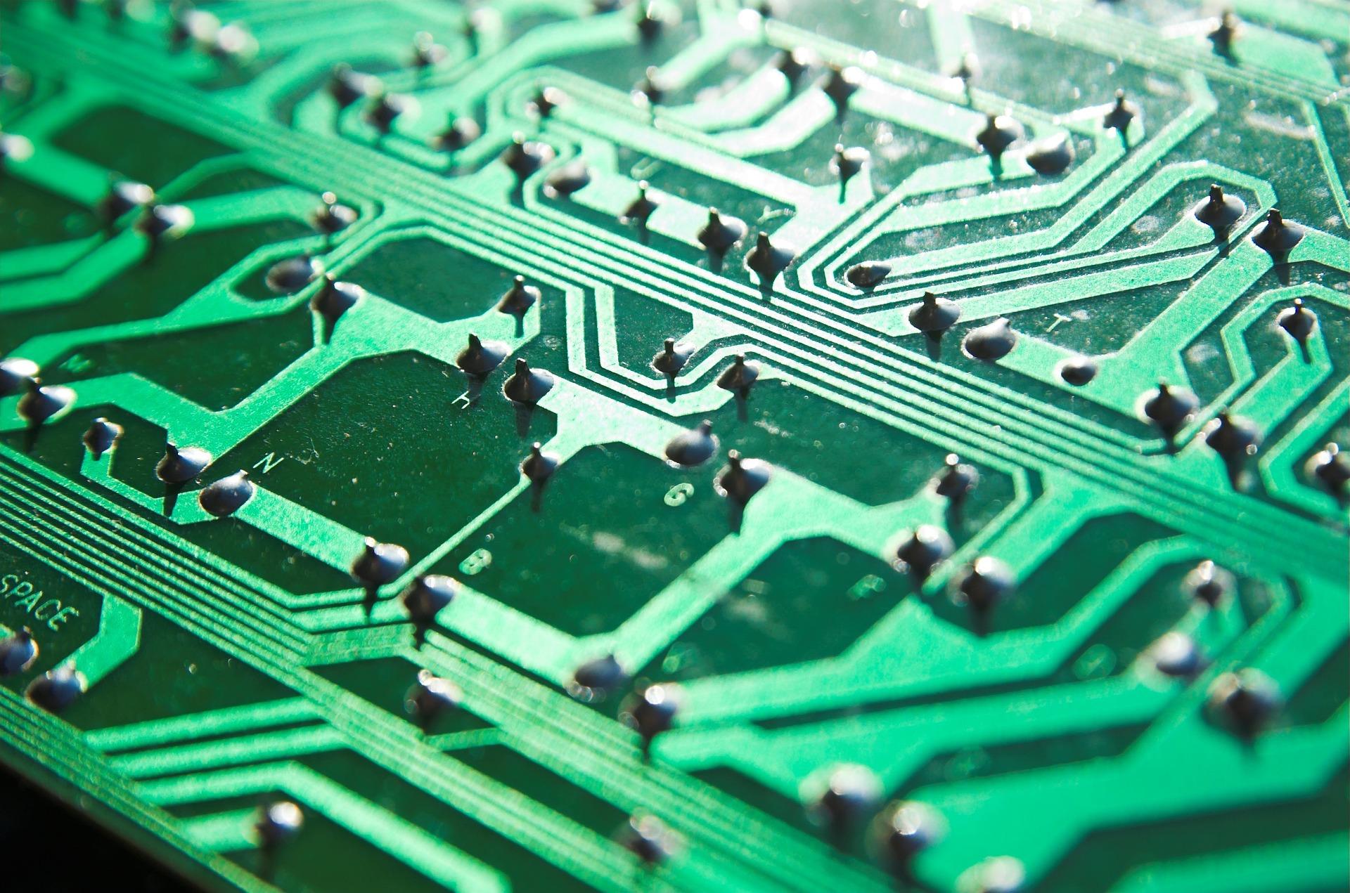 cyber-2366908_1920